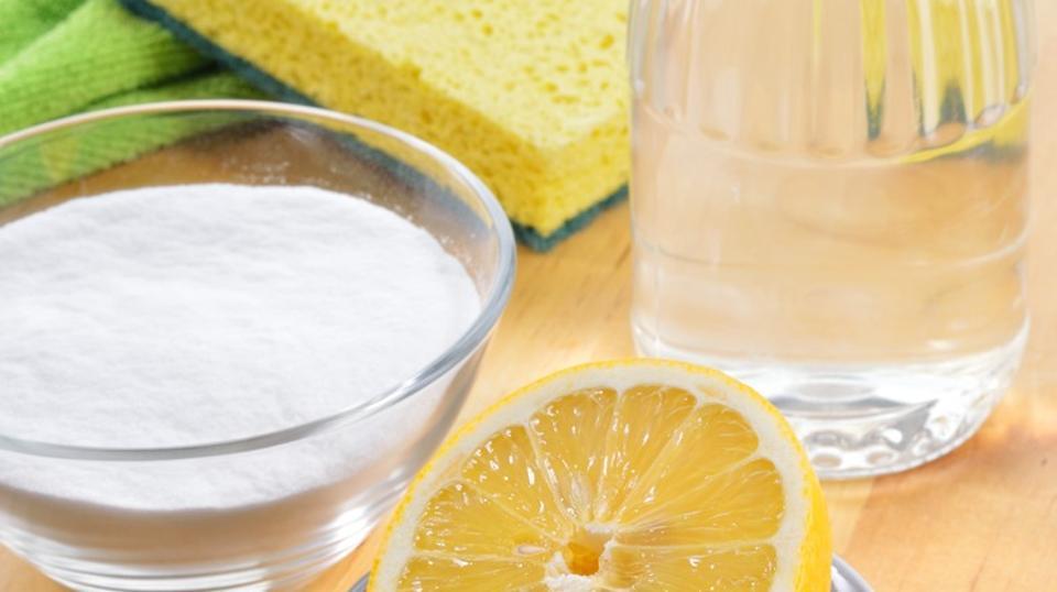 Karbonat ve limon ile tıkalı lavaboları açma